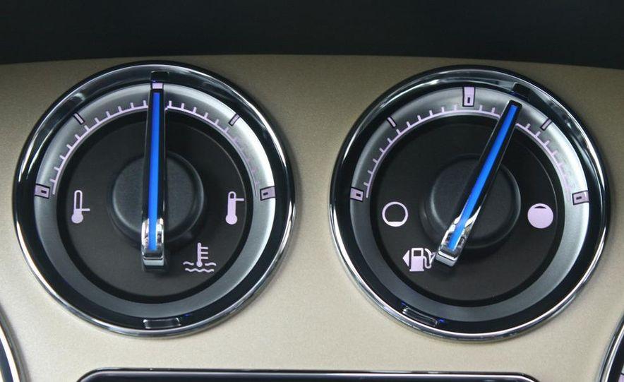 2010 Cadillac Escalade ESV Platinum AWD - Slide 66