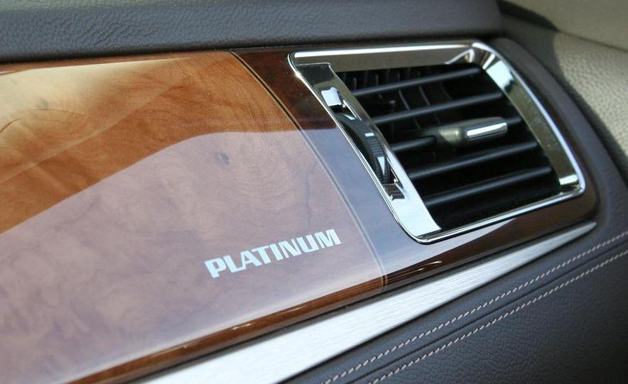 2010 Cadillac Escalade ESV Platinum AWD - Slide 80