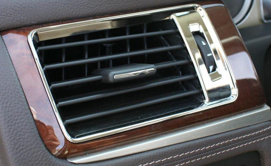 2010 Cadillac Escalade ESV Platinum AWD - Slide 73