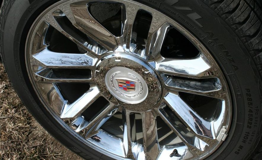2010 Cadillac Escalade ESV Platinum AWD - Slide 27