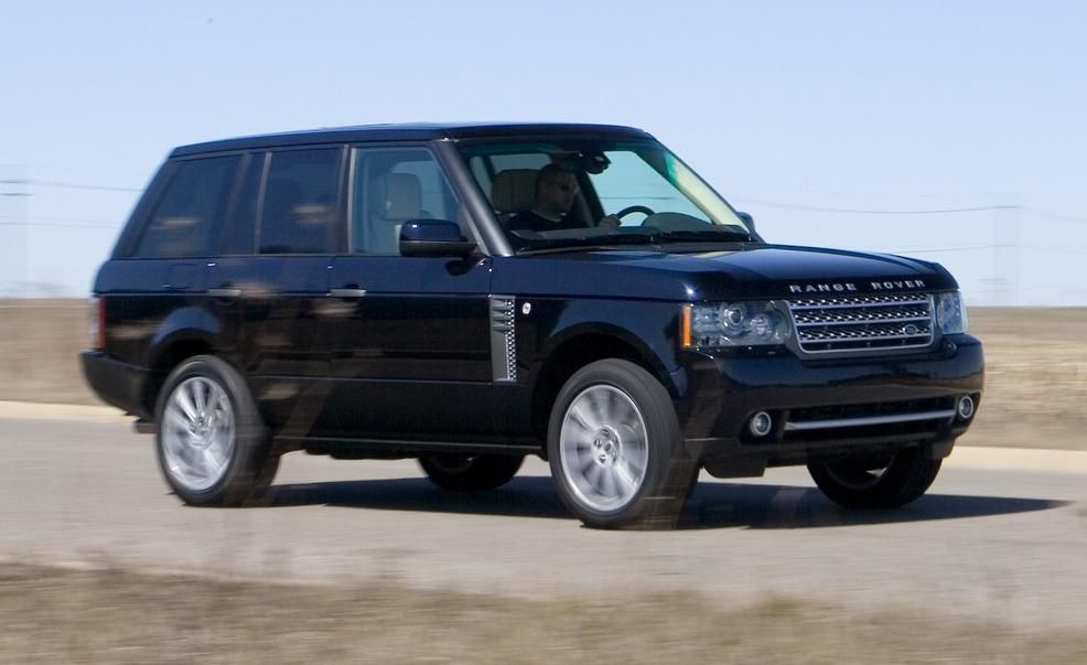 https://hips.hearstapps.com/amv-prod-cad-assets.s3.amazonaws.com/images/10q1/336371/2010-land-rover-range-rover-supercharged-photo-336393-s-986x603.jpg