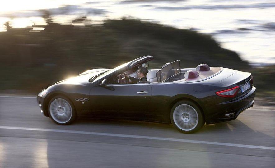 2011 Maserati GranTurismo convertible (sold as: GranCabrio in Europe) - Slide 3