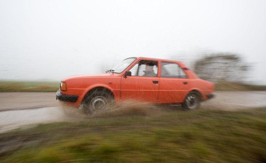 1985 Škoda 105L - Slide 9