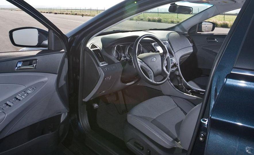 2010 Honda Accord EX, 2010 Subaru Legacy 2.5i, and 2011 Hyundai Sonata SE - Slide 81