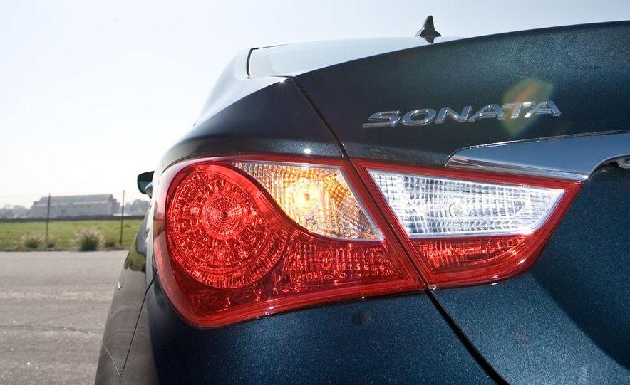 2010 Honda Accord EX, 2010 Subaru Legacy 2.5i, and 2011 Hyundai Sonata SE - Slide 80
