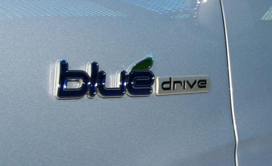 2011 Hyundai Sonata hybrid - Slide 8