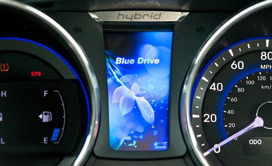 2011 Hyundai Sonata hybrid - Slide 17
