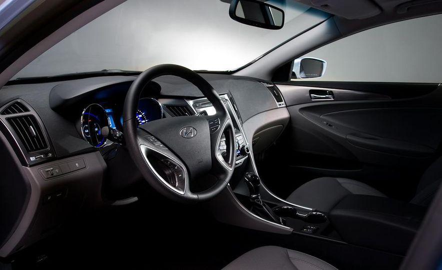 2011 Hyundai Sonata hybrid - Slide 16