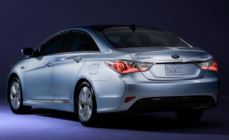 2011 Hyundai Sonata hybrid - Slide 15