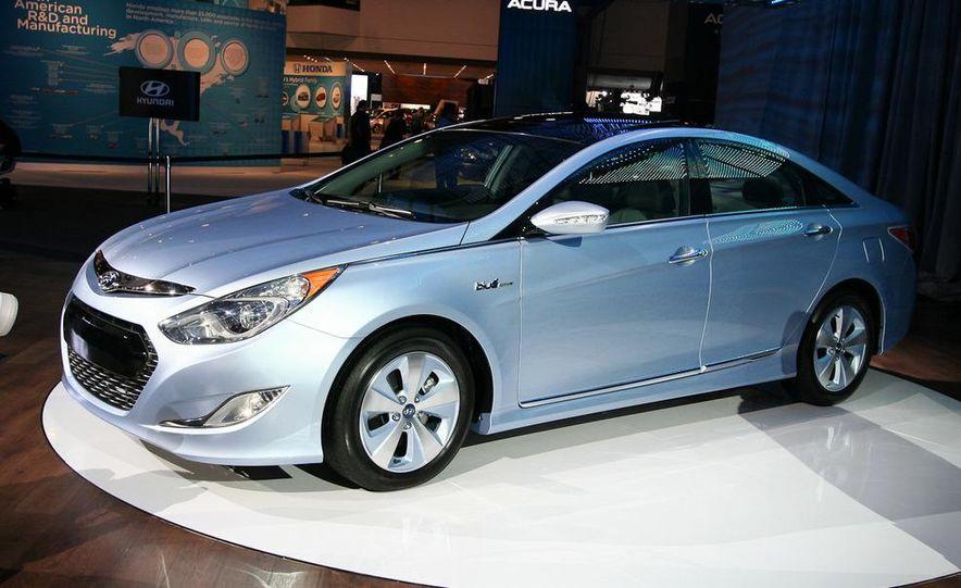 2011 Hyundai Sonata hybrid - Slide 5