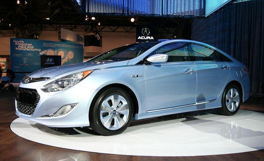 2011 Hyundai Sonata hybrid - Slide 6