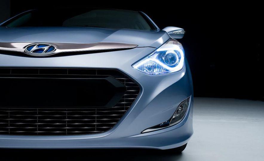 2011 Hyundai Sonata hybrid - Slide 19