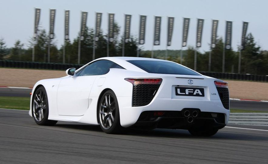2012 Lexus LFA - Slide 20