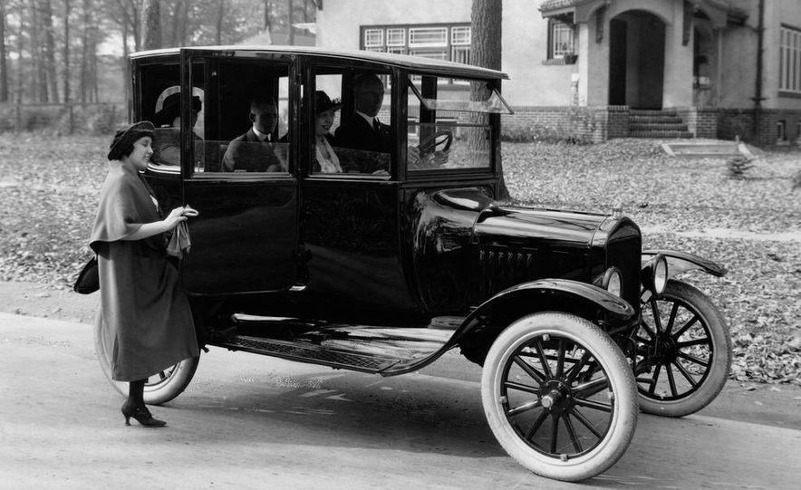 1908 Ford Model T - Slide 9