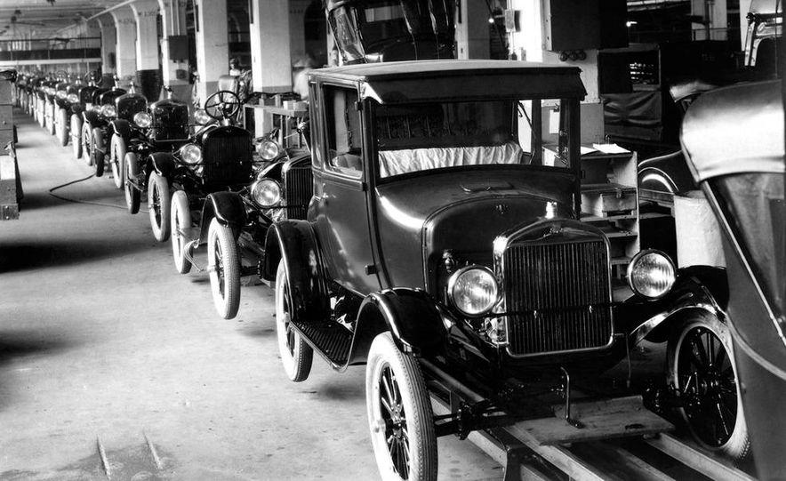 1908 Ford Model T - Slide 10