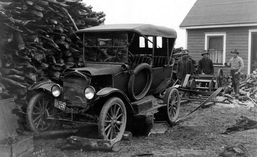 1908 Ford Model T - Slide 12