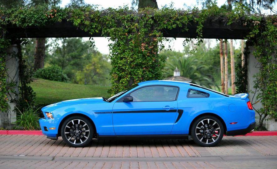 2011 Ford Mustang V-6 - Slide 23