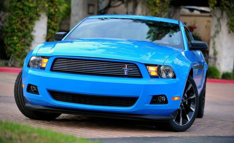 2011 Ford Mustang V-6 - Slide 25