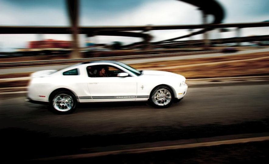 2011 Ford Mustang V-6 - Slide 30