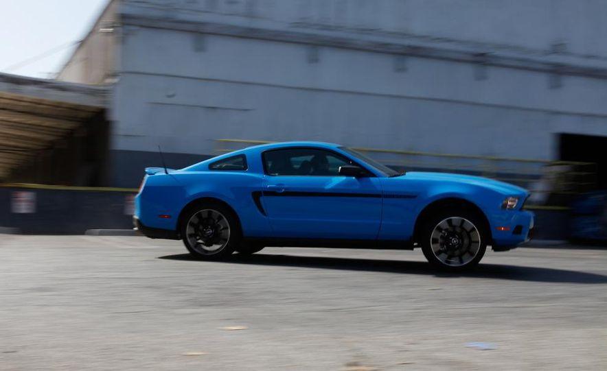 2011 Ford Mustang V-6 - Slide 2