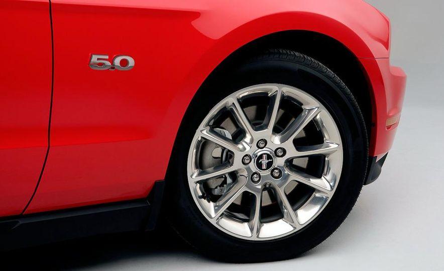 2011 Ford Mustang GT 5.0 - Slide 27
