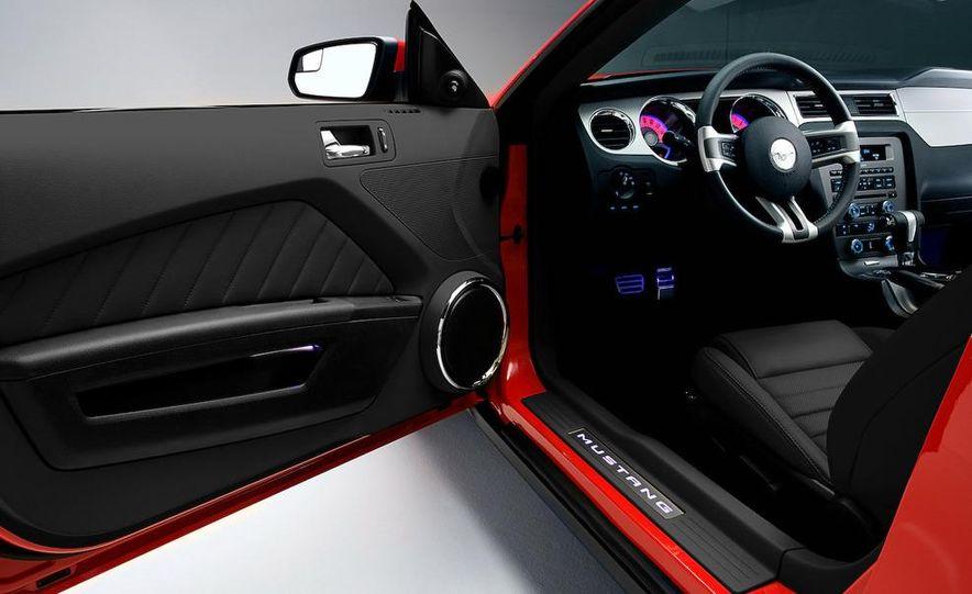 2011 Ford Mustang GT 5.0 - Slide 37