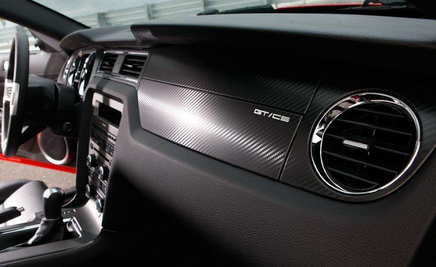 2011 Ford Mustang GT 5.0 - Slide 33