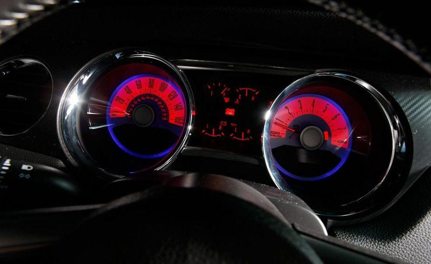 2011 Ford Mustang GT 5.0 - Slide 38