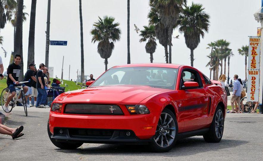 2011 Ford Mustang GT 5.0 - Slide 18