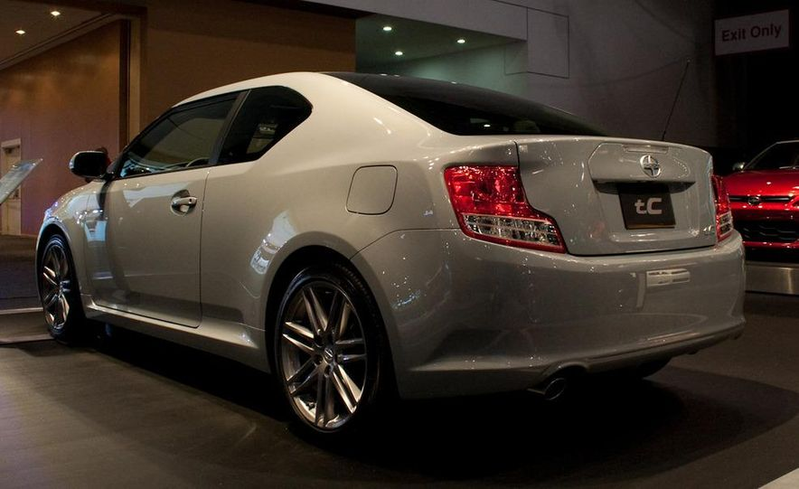 2011 Scion tC - Slide 4