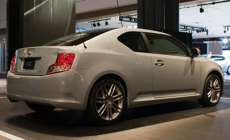 2011 Scion tC - Slide 6