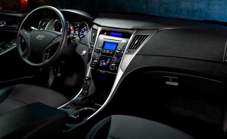 2011 Hyundai Sonata 2.0T - Slide 31