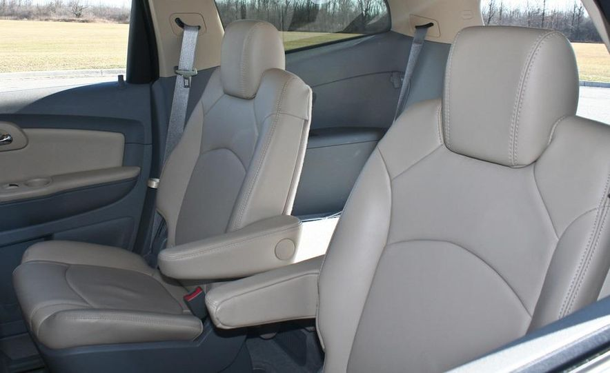 2010 Chevrolet Traverse FWD - Slide 38