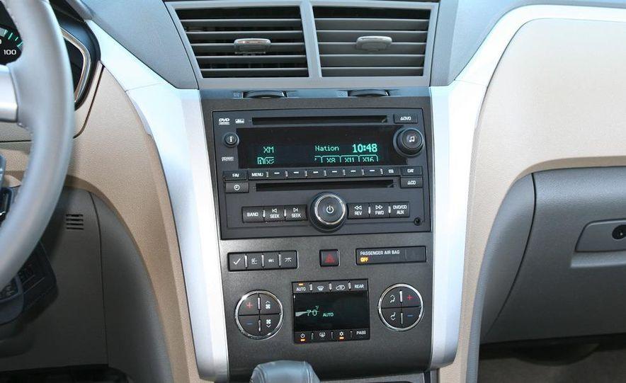 2010 Chevrolet Traverse FWD - Slide 50