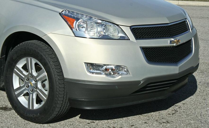2010 Chevrolet Traverse FWD - Slide 33