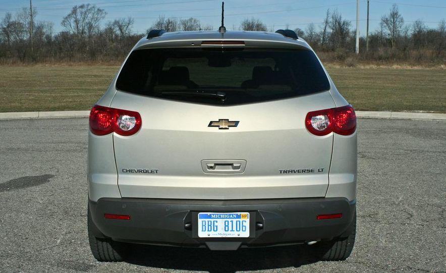 2010 Chevrolet Traverse FWD - Slide 7