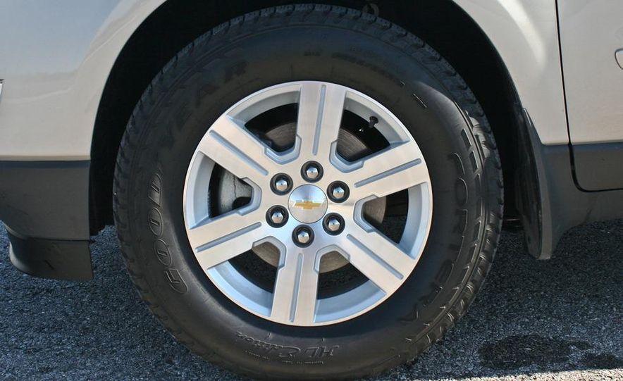 2010 Chevrolet Traverse FWD - Slide 10