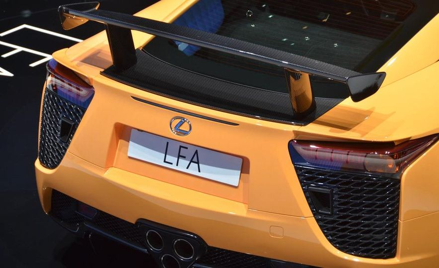 2012 Lexus LFA Nürburgring Package - Slide 17