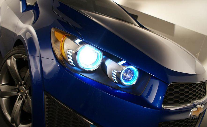 Chevrolet Aveo RS concept - Slide 21