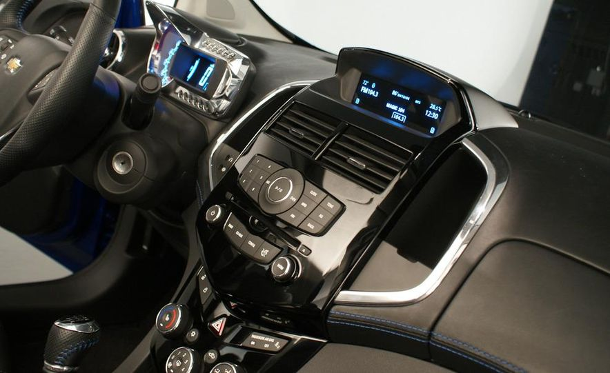 Chevrolet Aveo RS concept - Slide 30