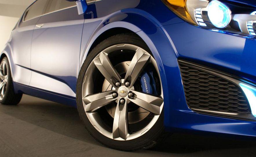 Chevrolet Aveo RS concept - Slide 16