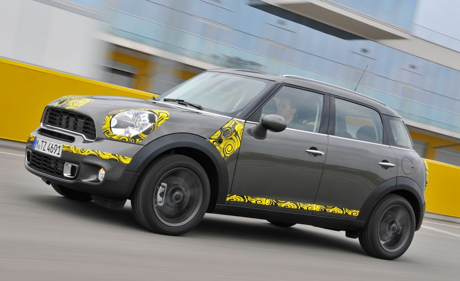 2011 mini countryman review car and driver. Black Bedroom Furniture Sets. Home Design Ideas