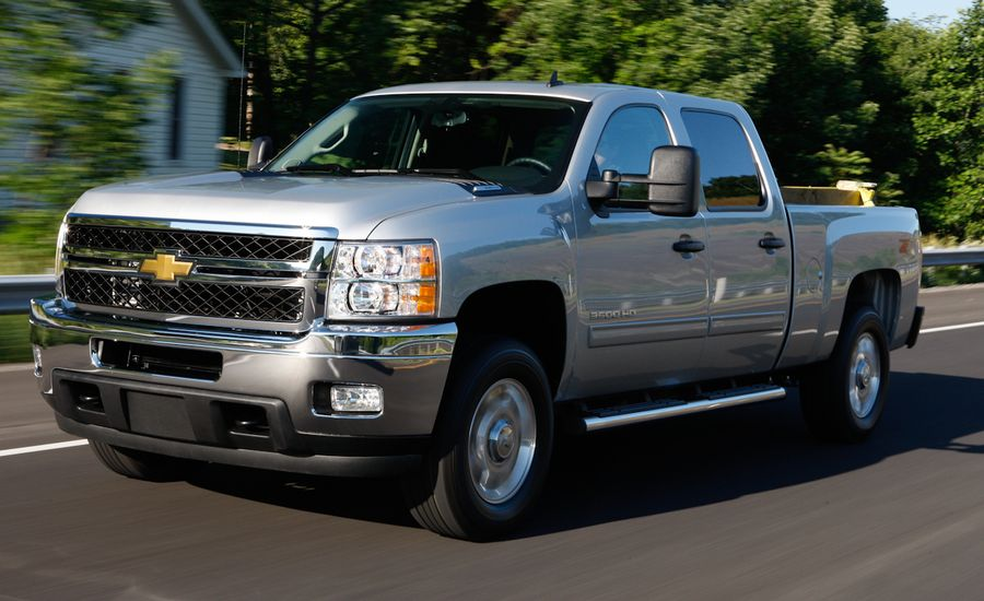 Chevrolet Silverado Review 2011 Silverado Drive Car And Driver