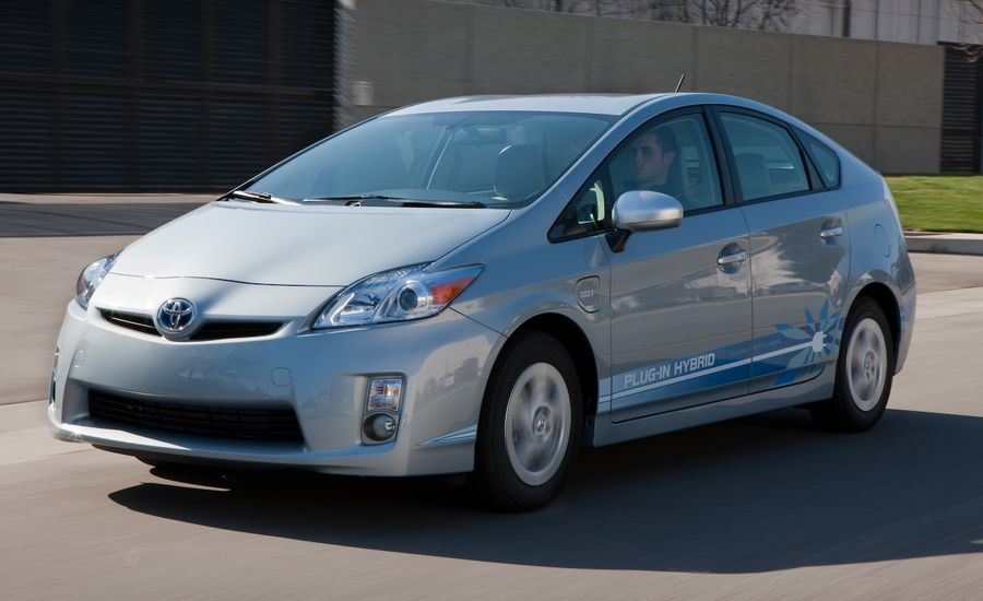 toyota prius 2012 toyota prius plug in hybrid review car and driver. Black Bedroom Furniture Sets. Home Design Ideas