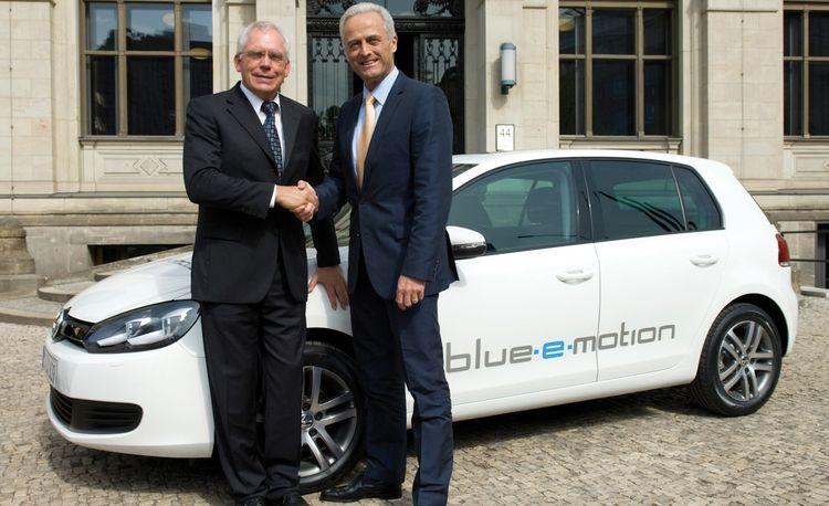 Volkswagen Confirms Hybrid Golf, Jetta, and Passat; Electrics to Follow