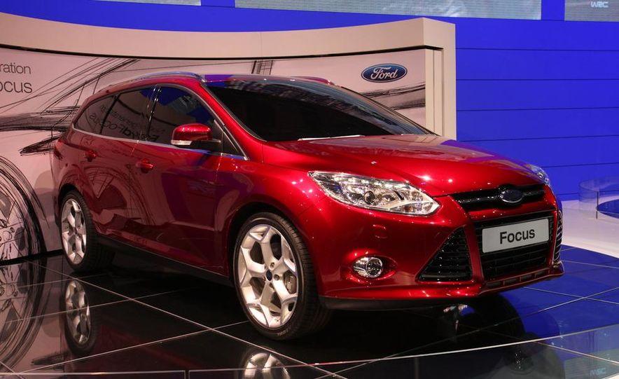 2012 Ford Focus 5-door hatchback and sedan - Slide 9