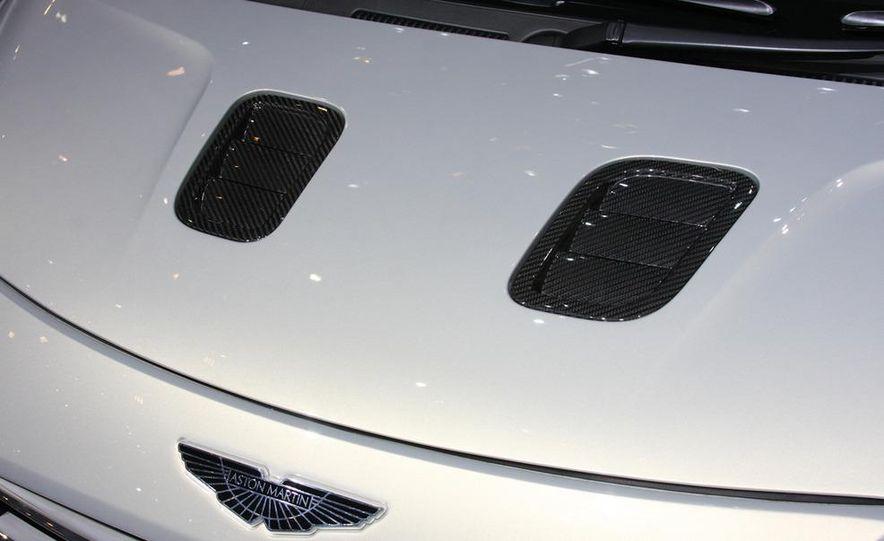 2012 Ford Focus 5-door hatchback and sedan - Slide 61
