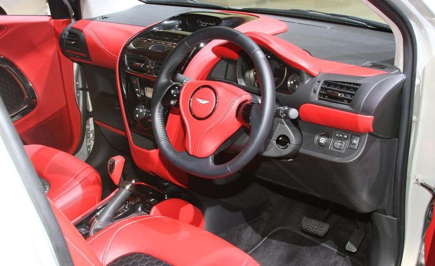 2012 Ford Focus 5-door hatchback and sedan - Slide 62