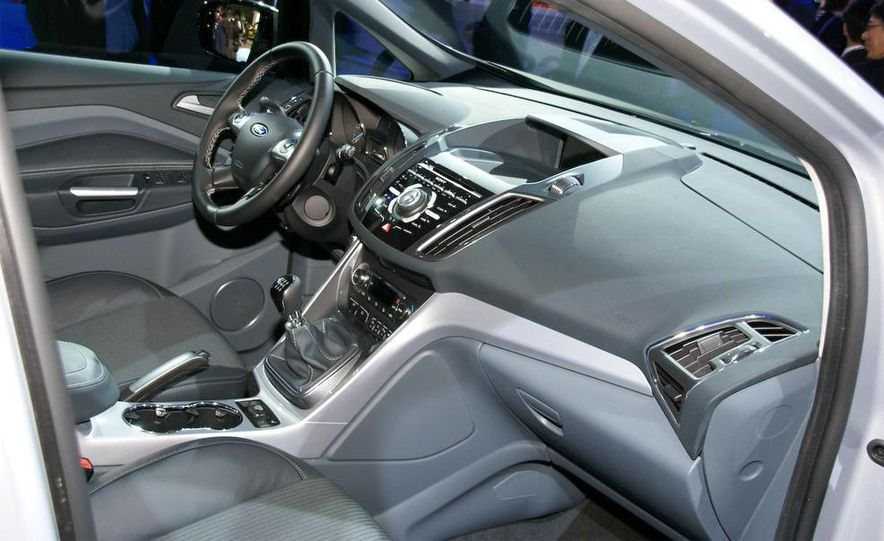 2012 Ford Focus 5-door hatchback and sedan - Slide 46