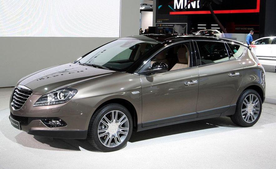 2012 Ford Focus 5-door hatchback and sedan - Slide 38